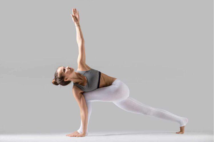 Tonnie Goes 200 uur Power Vinyasa Yoga Teacher opleiding